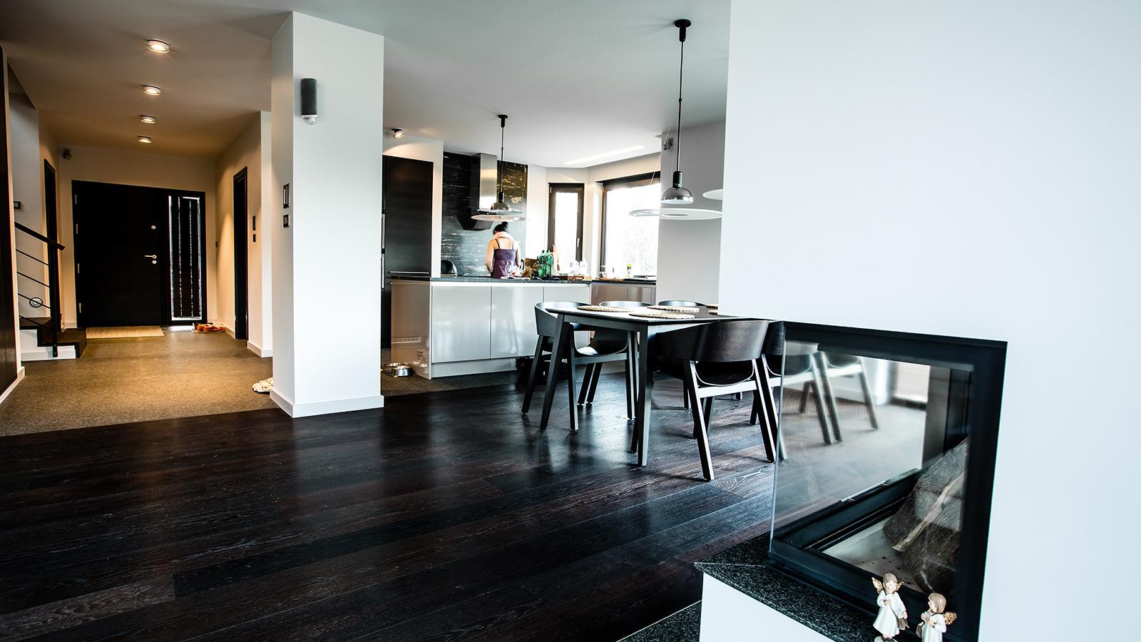 Otwarta kuchnia w bieli hola design homesquare - Kategorie